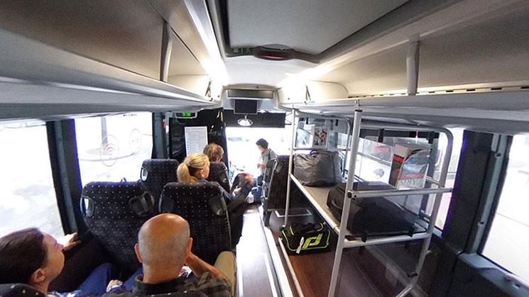 ル・ビュス・ディレクト バス車内の景観