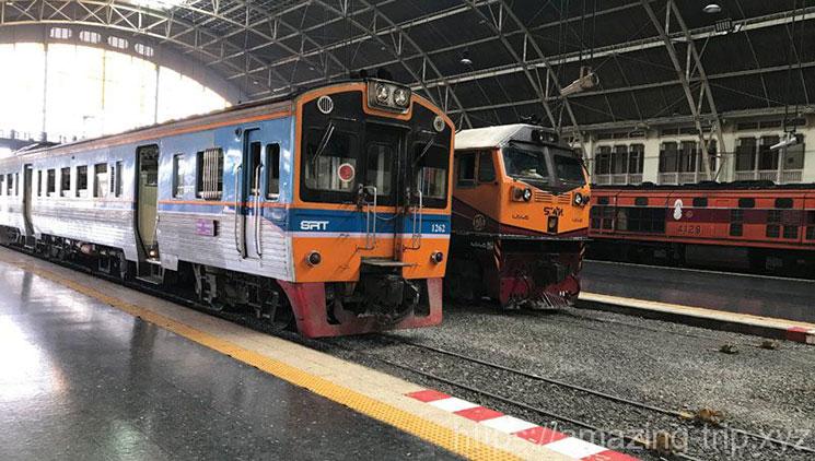 タイ国鉄列車