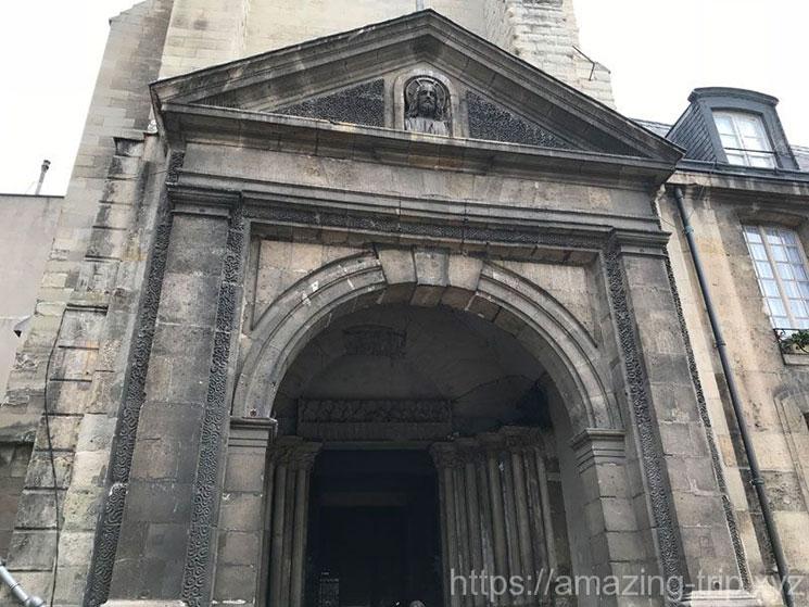 教会の入口