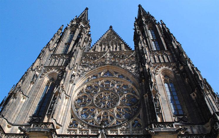 聖ヴィート大聖堂の西側ファサード