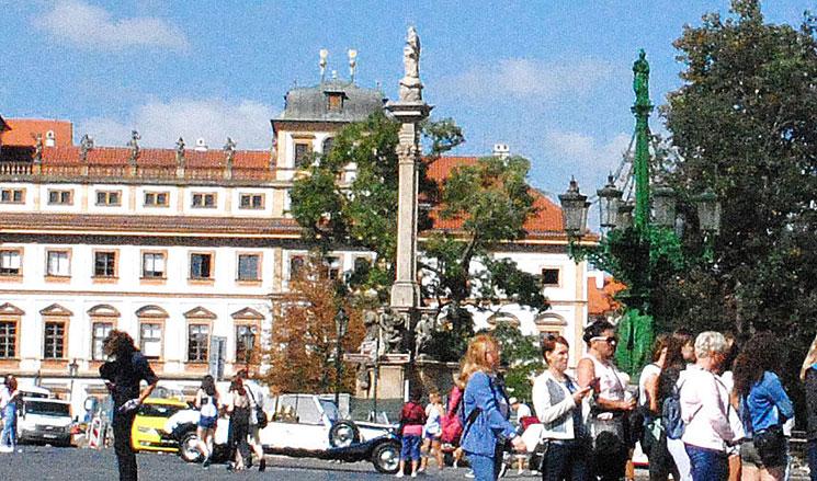 ペストの記念柱