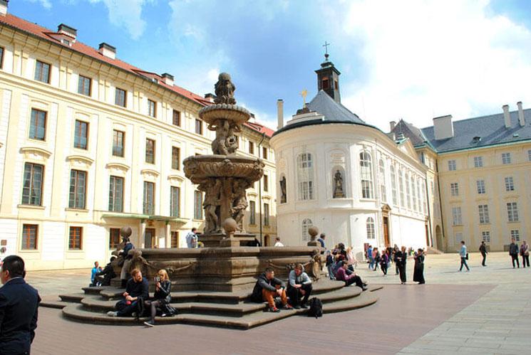 第2中庭の噴水
