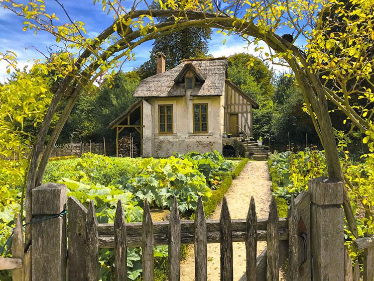 マリーアントワネットの離宮内の小屋