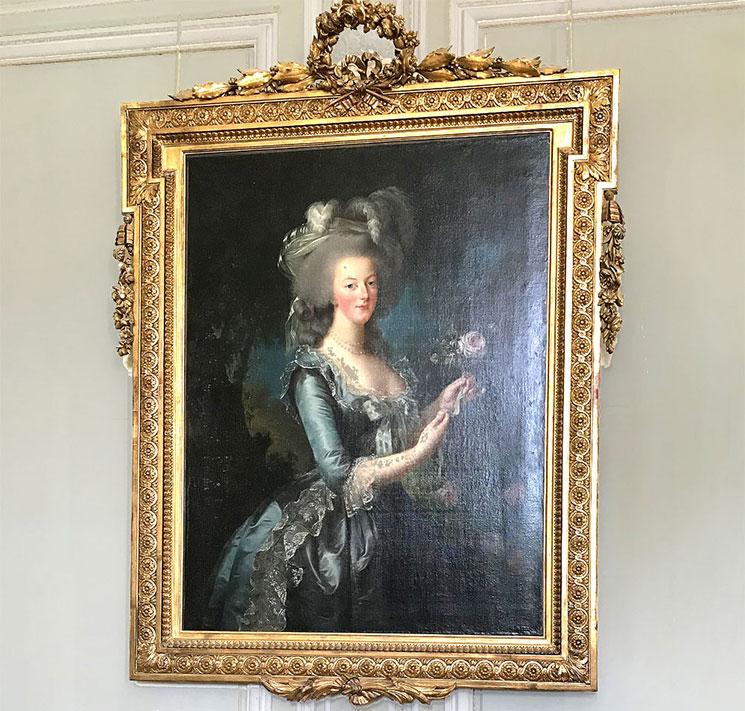 エリザベート・ヴィジェ=ルブラン作「バラを持つ王妃マリー・アントワネット」