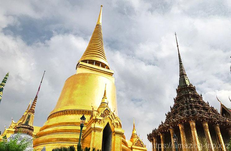 仏舎利を納める仏塔 プラ・シー・ラタナー、チェーディー