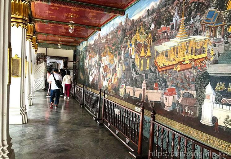 回廊の壁画