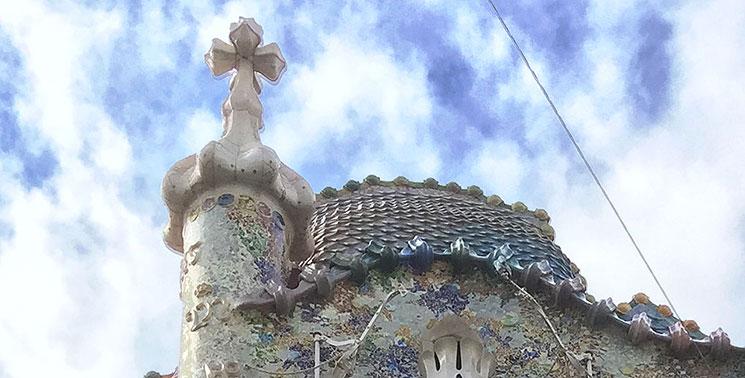 カサ・バトリョ 龍の鱗の屋根