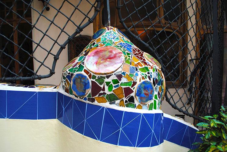 カサ・バトリョ 中庭のオブジェクト