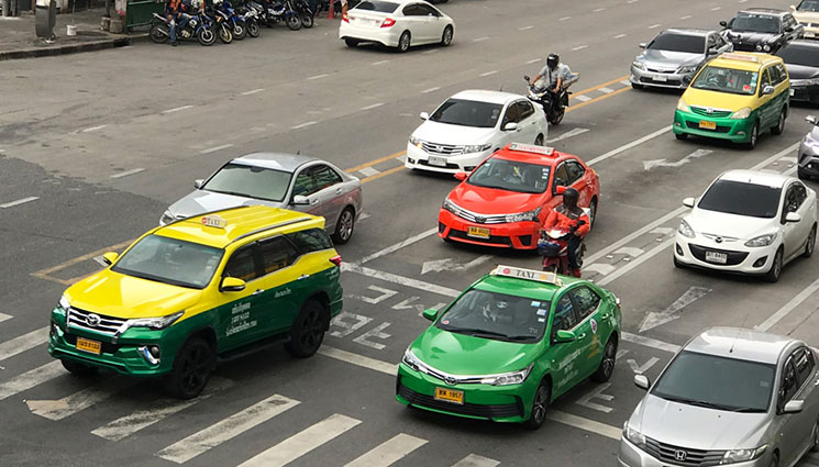 バンコク メータータクシー