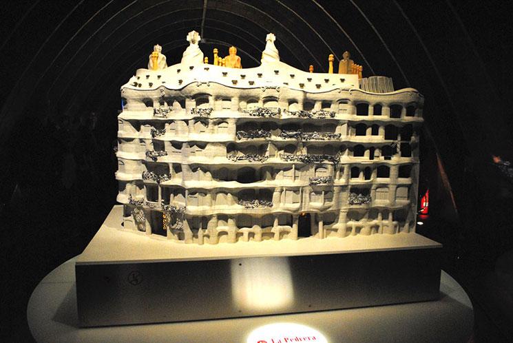 屋根裏の回廊 カサ・ミラの模型