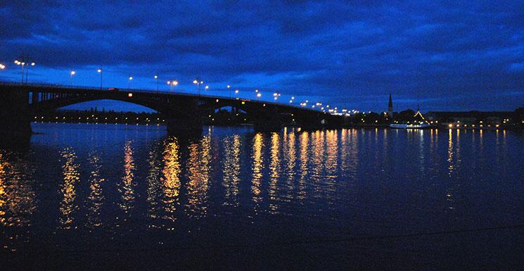 ライン川の夜景