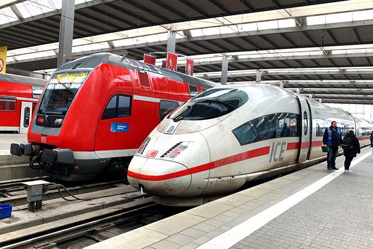 ドイツ国鉄 乗車ホームとICE