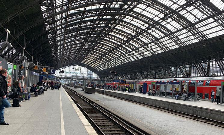 ドイツ国鉄 乗車ホームの景観