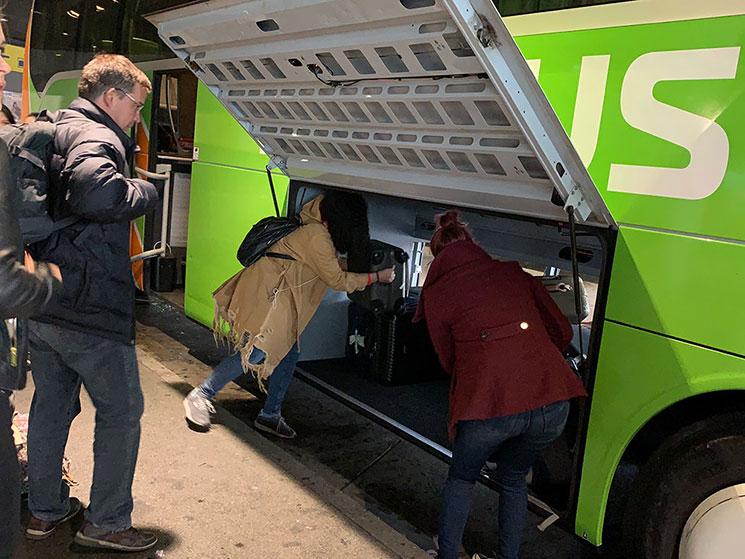 FlixBus バス車体の荷物収納コンパートメント
