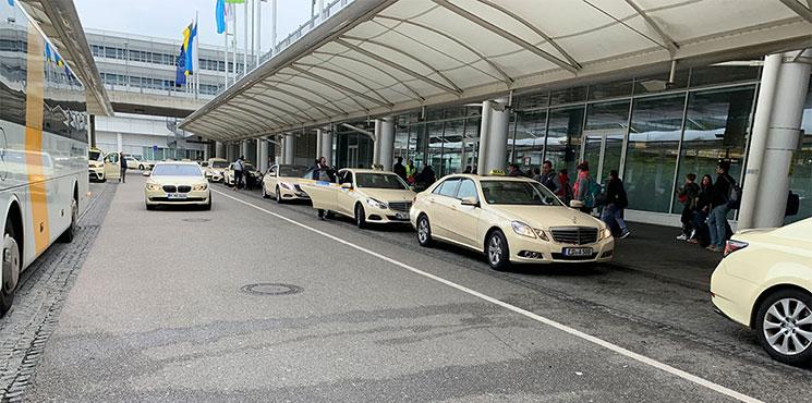 ミュンヘン空港のタクシー乗り場