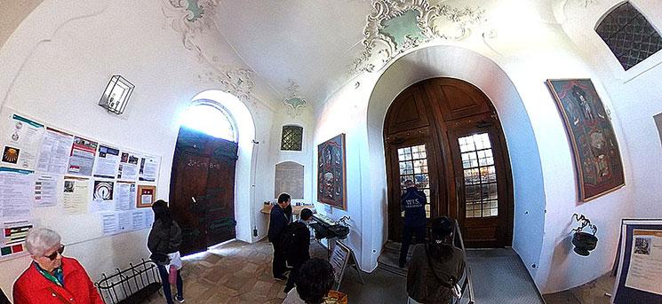 ヴィース教会内部のドア