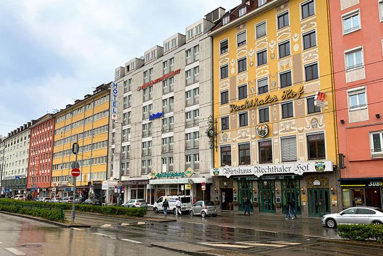 ミュンヘン駅前のホテル