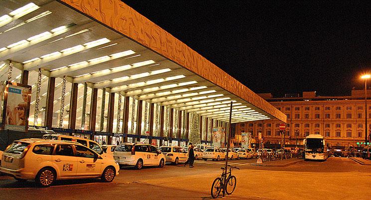 テルミニ駅北口のタクシー乗り場