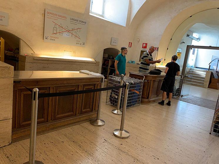 ボルゲーゼ美術館の荷物預かり所