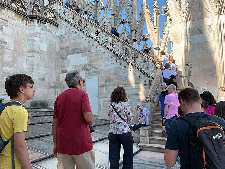 ミラノ ドゥオーモ 屋上テラスへと続く階段