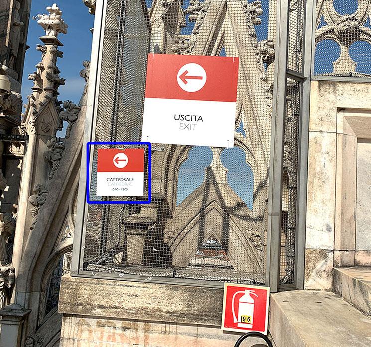 ミラノ ドゥオーモ 屋上テラス 「CATTEDRALE(大聖堂)」の案内板