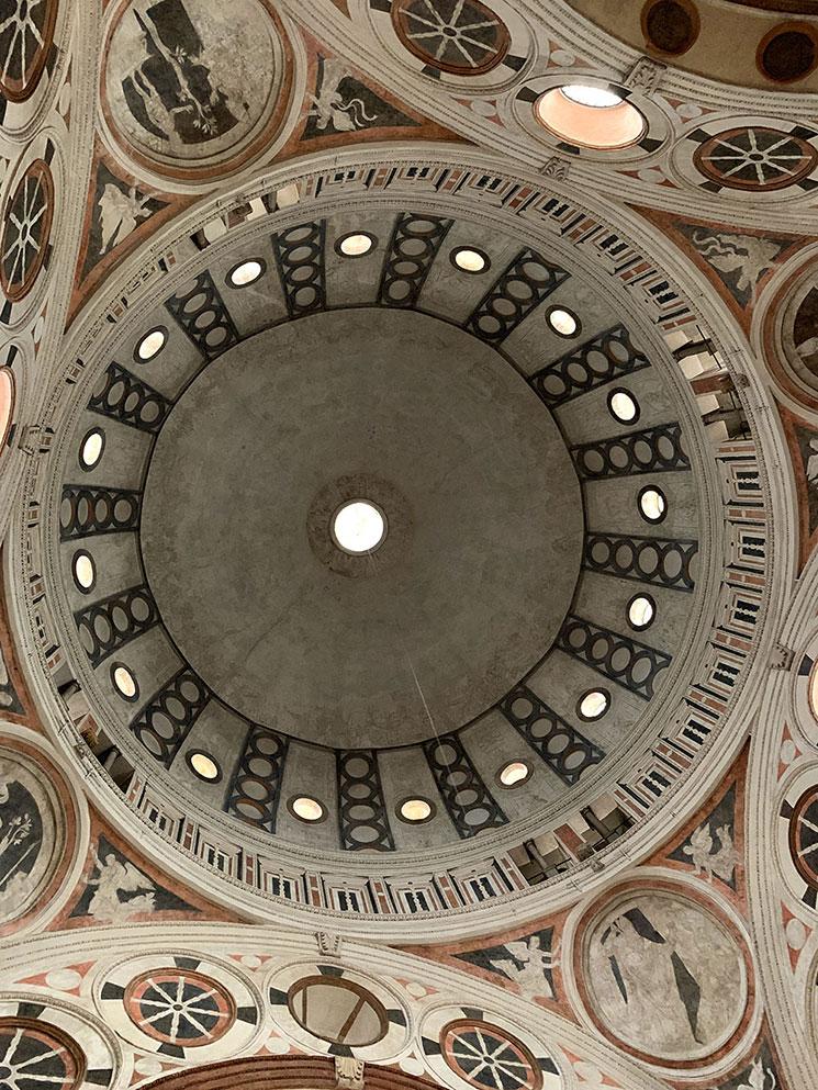 サンタ・マリア・デッレ・グラツィエ教会の天井