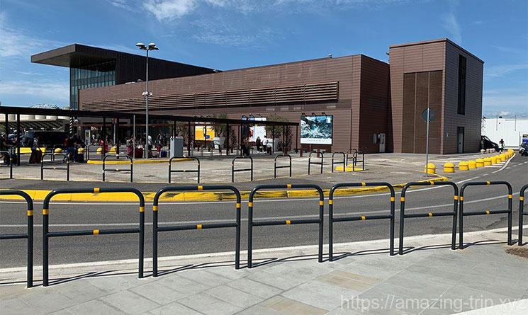 ペレトラ空港の外観