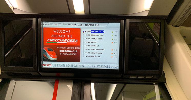 フレッチェロッサ(FrecciaRossa) 車内のテレビモニター