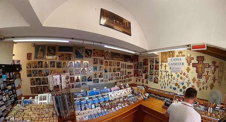 サンピエトロ大聖堂 屋上テラスのギフトショップ