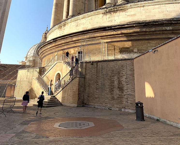 クーポラ展望階へと続く階段