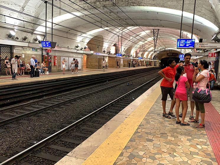 ローマ地下鉄A線の路線図
