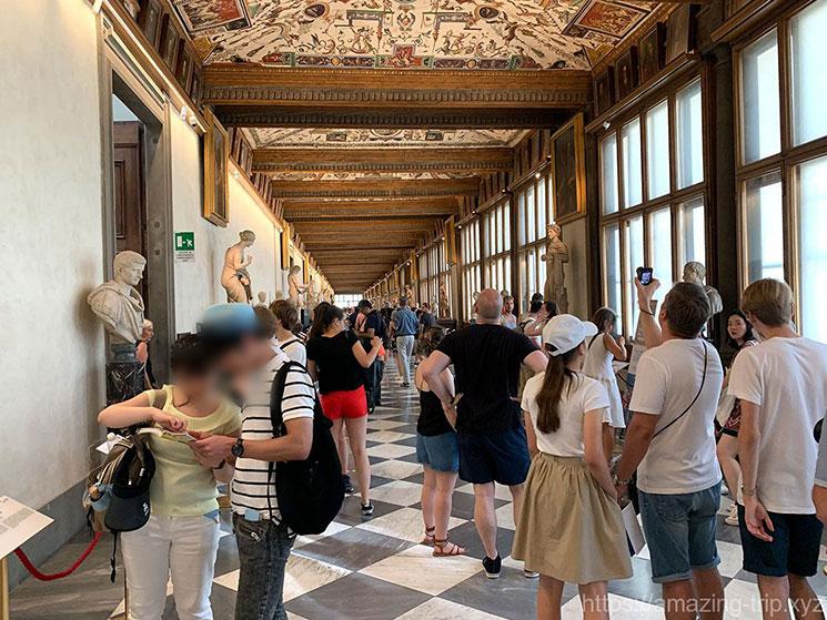 ウフィツィ美術館3階の廊下