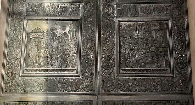 フィラレーテの扉の下部