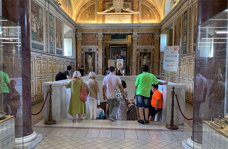 バチカン図書館の回廊の出口