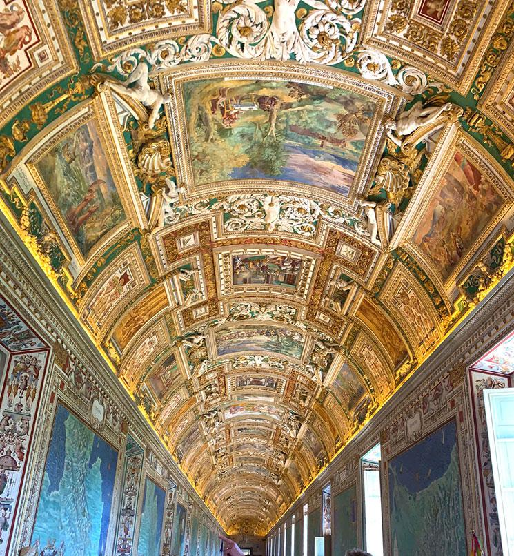 地図のギャラリー 黄金に輝く天井の装飾