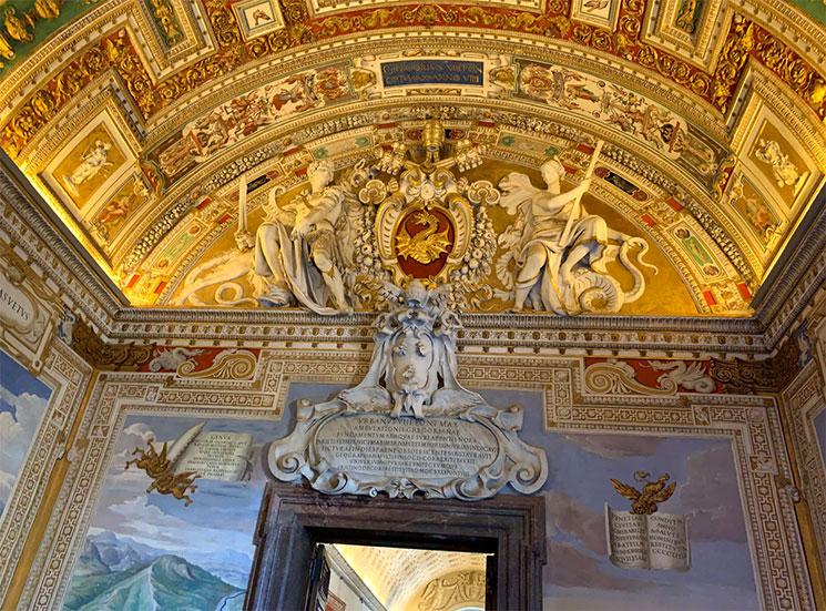 地図のギャラリーの装飾、紋章、レリーフ