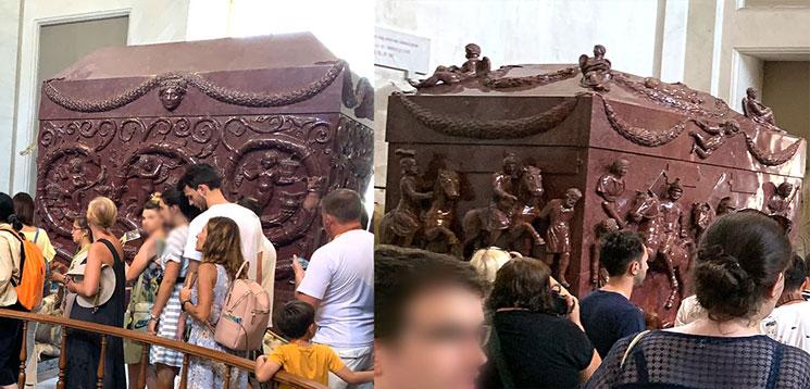 聖コンスタンツァの石棺と聖ヘレナの石棺