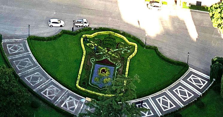 クーポラから見るバチカン庭園の景観