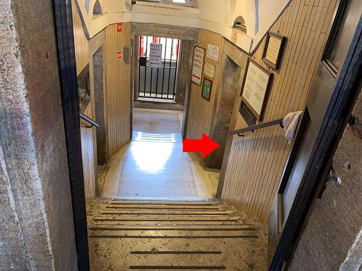 クーポラ展望階への登り口