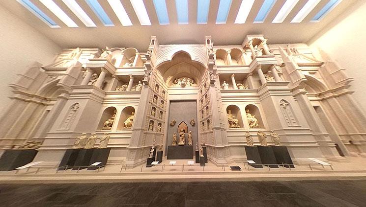 ドゥオーモ付属美術館 0階の第6室 ファサードと彫像