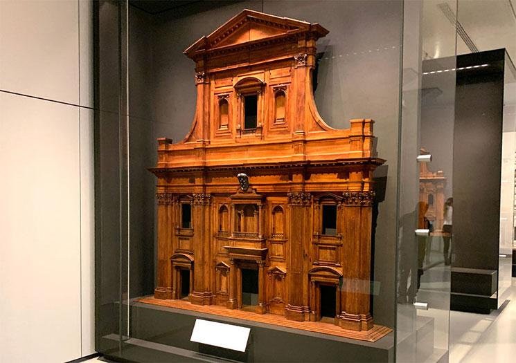 ドゥオーモの西側ファサードの木製模型