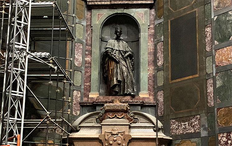 君主の礼拝堂 コジモ2世の大公像