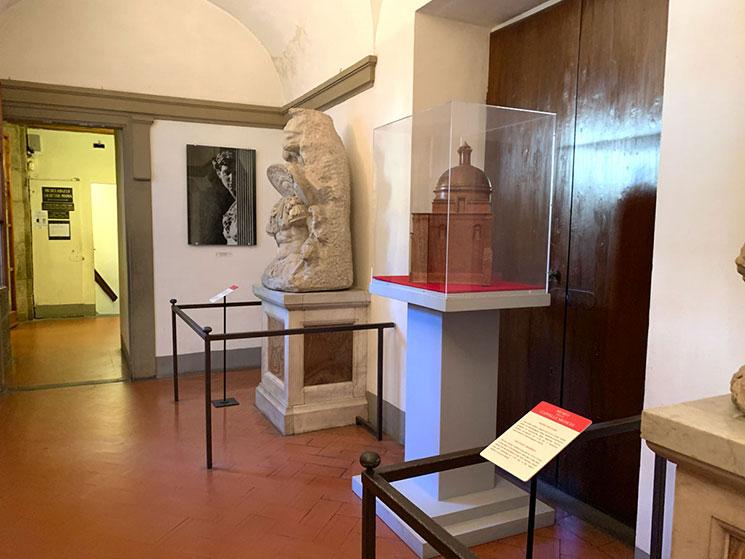 君主の礼拝堂と新聖具室をつなぐ廊下