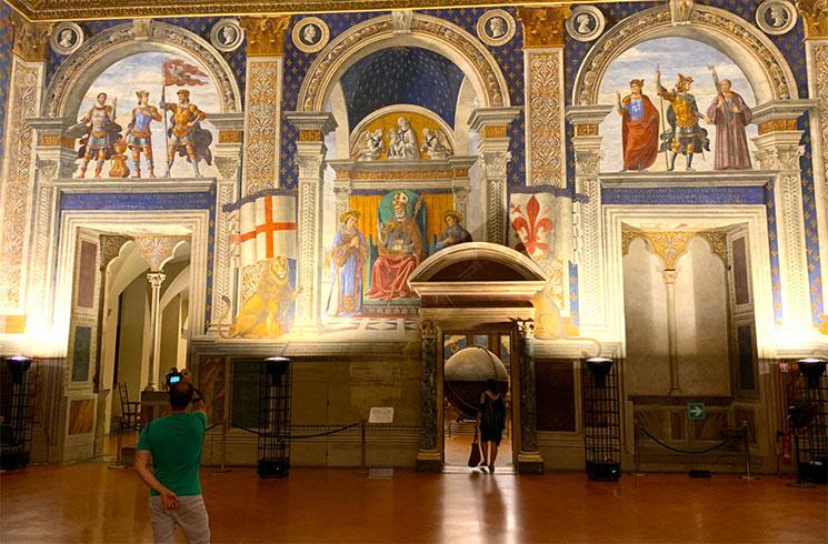 ヴェッキオ宮殿 サーラ・ディ・ギーリ(Sala dei Gigli)
