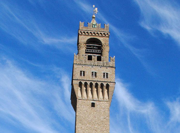 アルフォルノの塔
