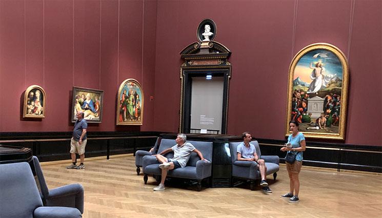 絵画コレクションの展示室