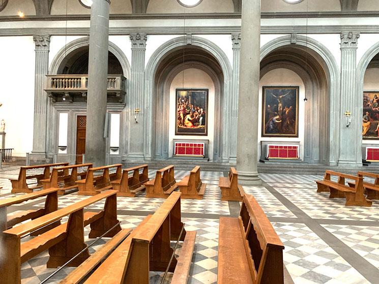 サンロレンツォ教会 側廊の景観