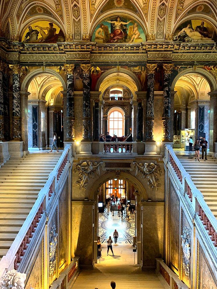 美術史美術館の大階段ホール