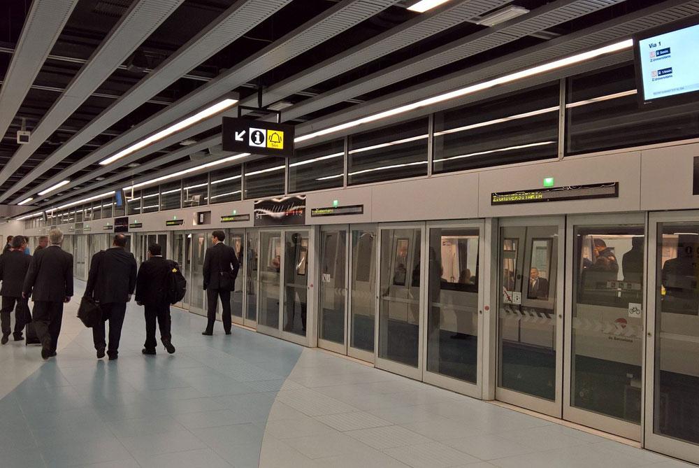 バルセロナの地下鉄駅構内
