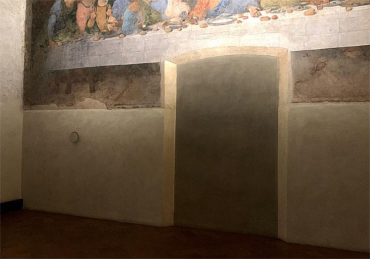 最後の晩餐下部のドア跡